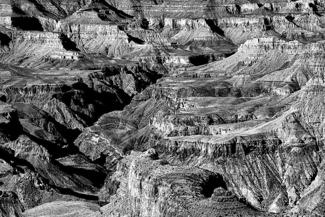 Landscape in black and white of the Grand Canyon in Arizona.