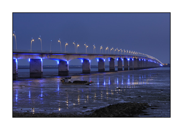 Lights and colors of the bridge of Oleron island