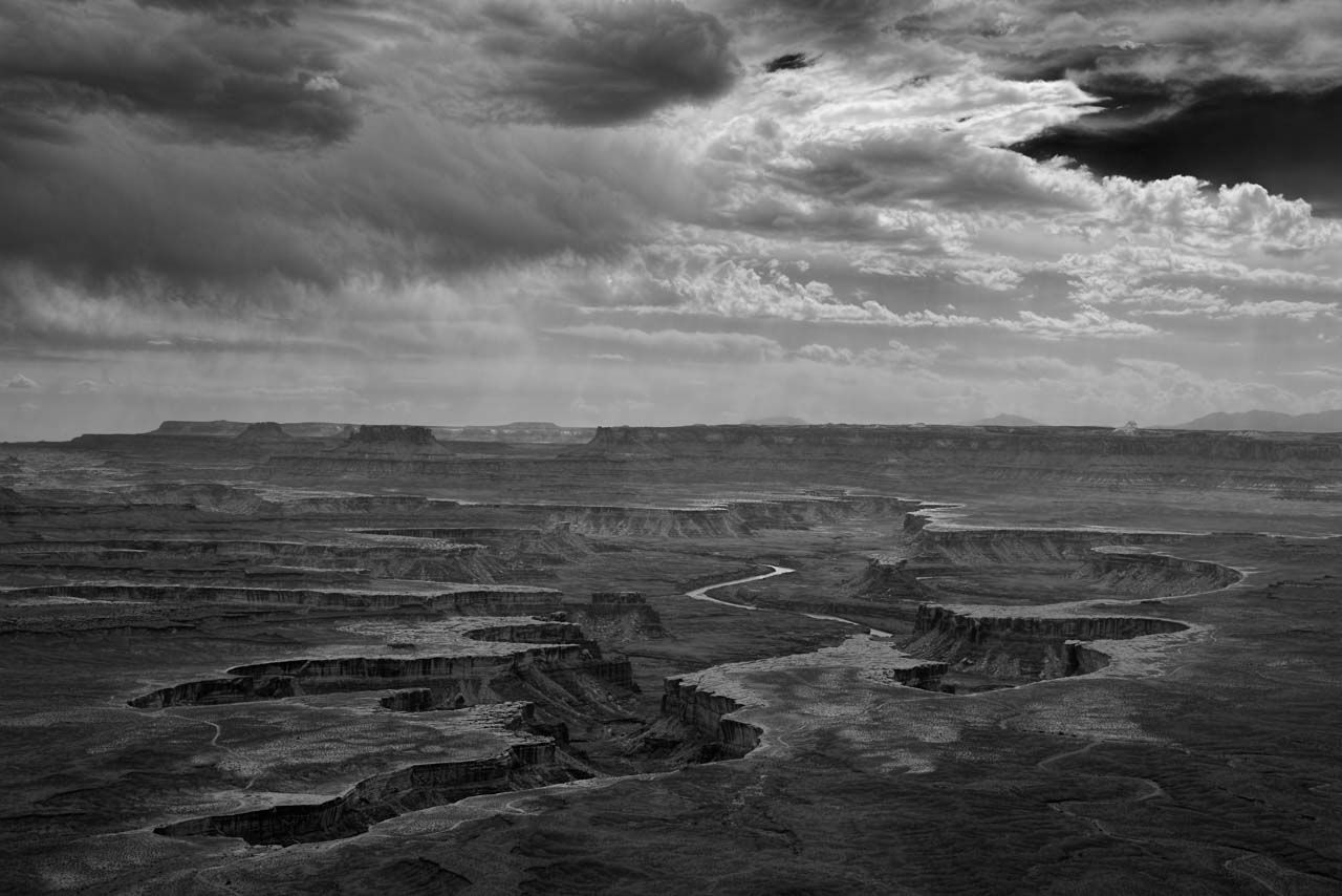 Landscape in black and white of Island in the Sky in the Canyonlands. Photograph in black and white by Amar Guillen, photographer artist.