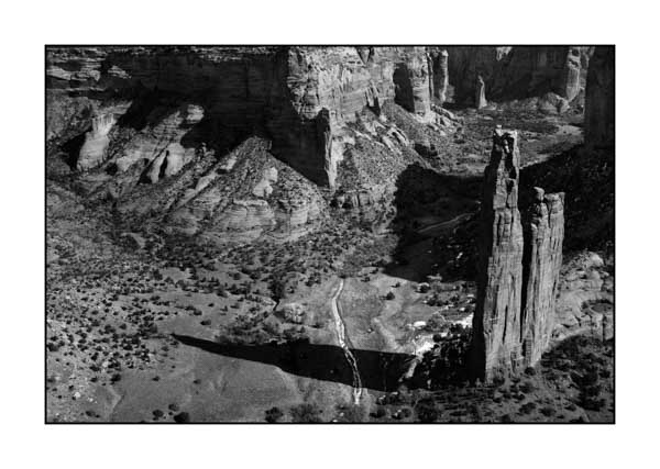 Canyon de Chelly. Photograph in black and white by Amar Guillen, Photographer Artist.