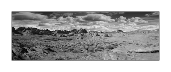 Valley of Fire in Nevada. Photograph in black and white by Amar Guillen, Photographer Artist.