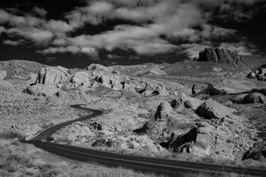 02 paysage de valley fire nevada en noir et blanc amar guillen photographe