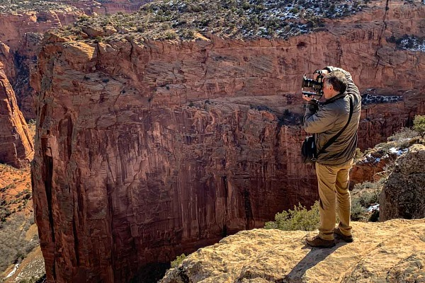 Amar Guillen, photographe professionnel de la nature dans le Canyon de Chelly aux Etats-Unis.